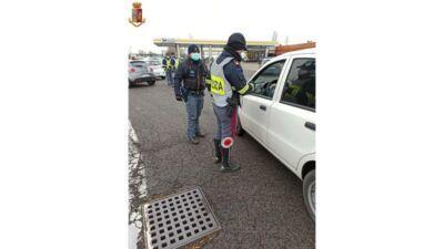 """Polizia Stradale, blocchi """"anticoronavirus"""" anche in autostrada all'area Sillaro Ovest"""