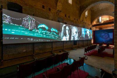 """Rimini, """"Fellini 100. Genio immortale"""" si mostra on line"""