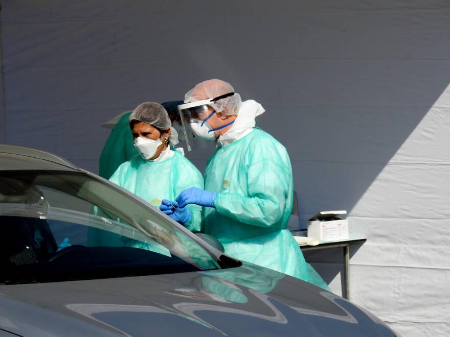Covid. Risale il contagio in Romagna. Altri due morti a Rimini