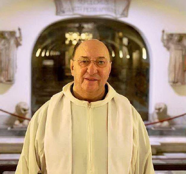 Forlì, le sorelle morte per il virus: sacerdote le ricorda cantando
