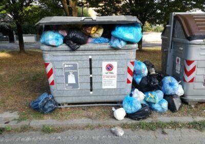 Da Lugo a Massa per gettare rifiuti, stangati dalle fototrappole