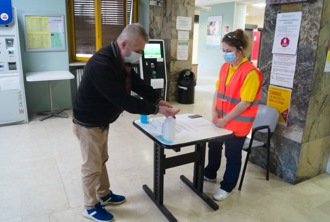 Coronavirus, negli ospedali in Romagna oggi in servizio gli steward