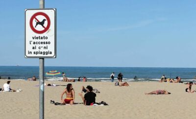 Rimini. La stagione si accorcia ma l'ombrellone stagionale non cala
