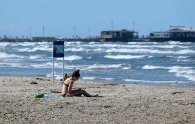 Covid-19. Spiaggia libera: 5 metri di distanza dai vicini a Rimini