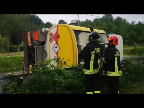 Autocisterna rovesciata sulla Montanara a Borgo Tossignano VIDEO