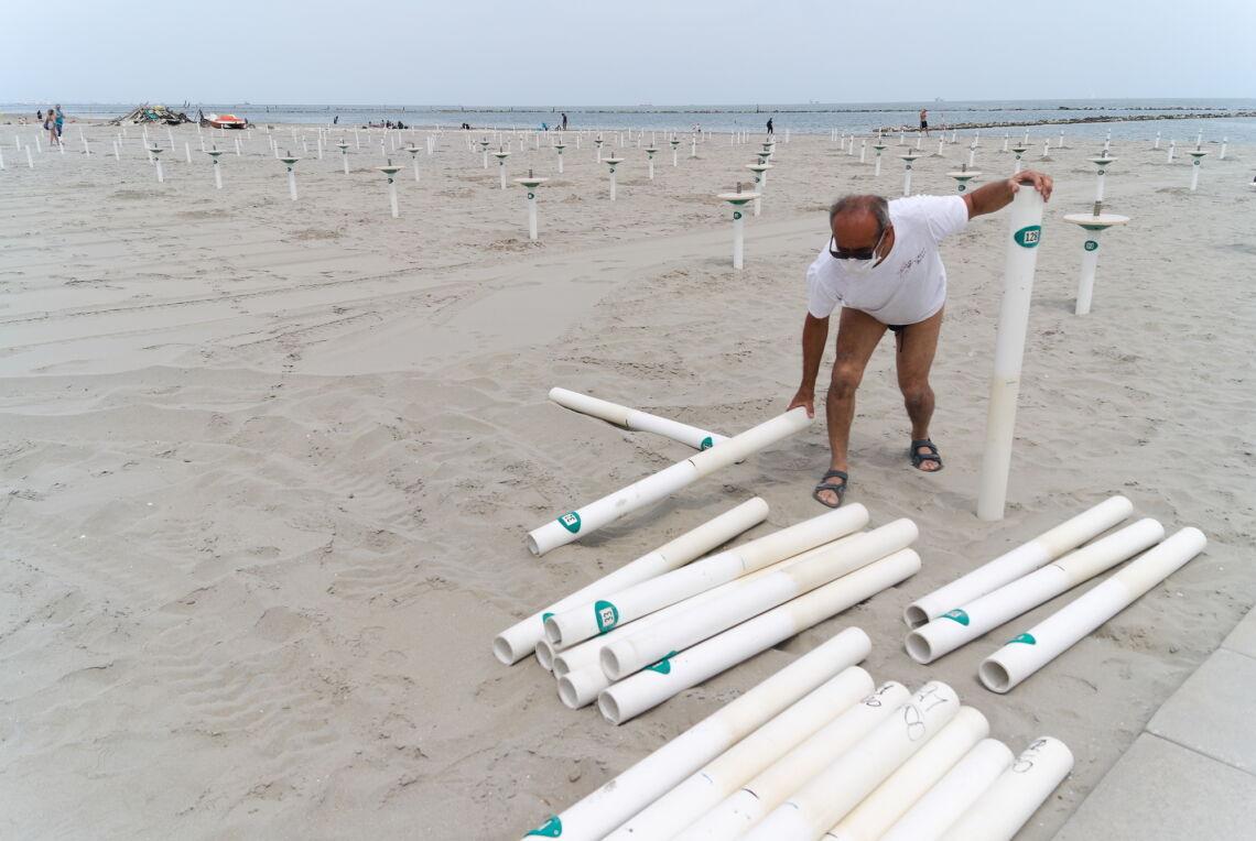 Le spiagge aprono in anticipo: via alla stagione balneare da sabato