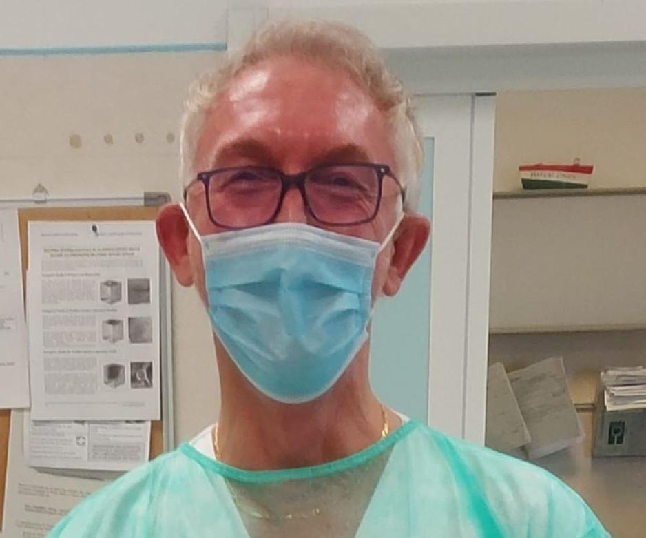 """Forlì, il medico: """"Ho dato la comunione ai malati di Coronavirus"""""""