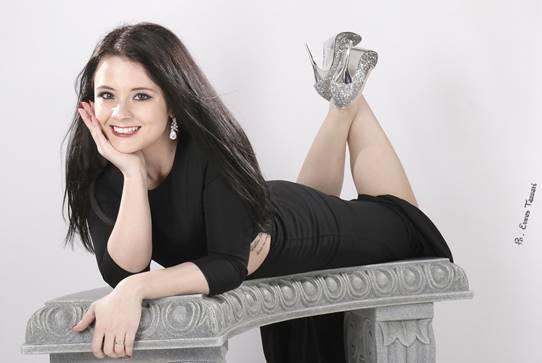 """""""Stringimi così"""", primo singolo della cervese Sara Dall'Olio"""