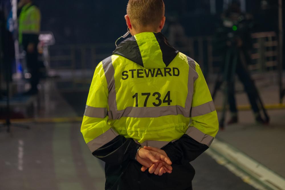 Steward negli ospedali per far rispettare le norme anti coronavirus