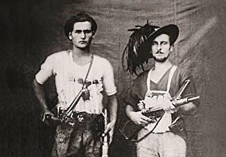 Dòmini e la storia di due fratelli su fronti opposti