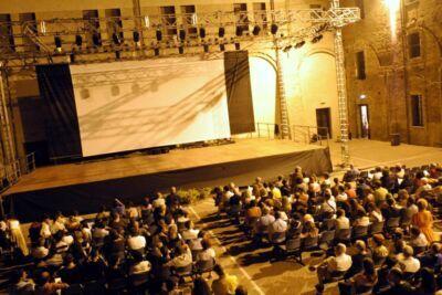 Rimini, da luglio arene spettacolo alla Darsena e agli Agostiniani
