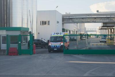 Conselice, incidente sul lavoro all'Unigrà morto operaio 38enne