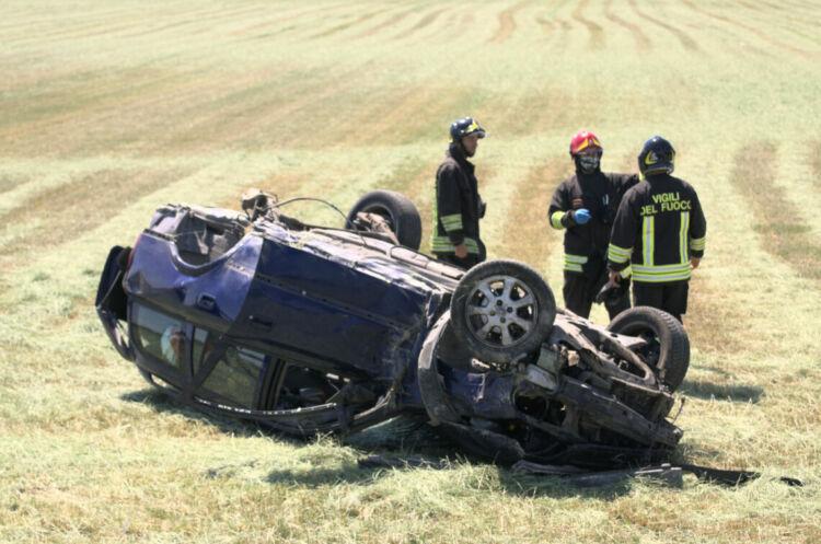 Ravenna, spaventoso incidente sulla Romea. Ferito 43enne