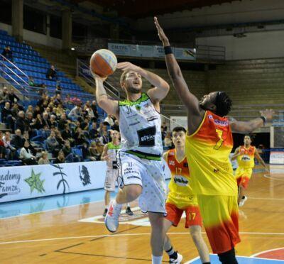 Basket B, Faenza conferma l'ala Marco Petrucci