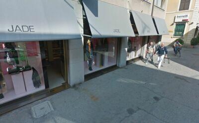 Sorpreso rubare abiti firmati in centro. Arrestato 16enne a Ravenna