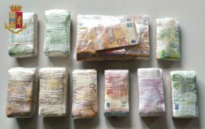 Camion seguito da Massa a Imola. Trovati 172.000 euro e 3kg di coca