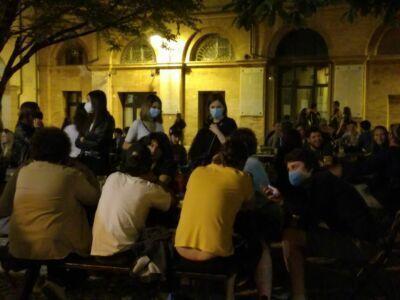 Forlì, ripartono le serate in centro: le regole per musica e alcol