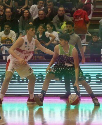 Basket B, la Rbr conferma l'ala pivot Matteo Ambrosin