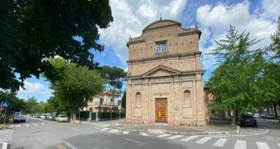 Ladri nella chiesa di Madonna delle Rose a Cesena