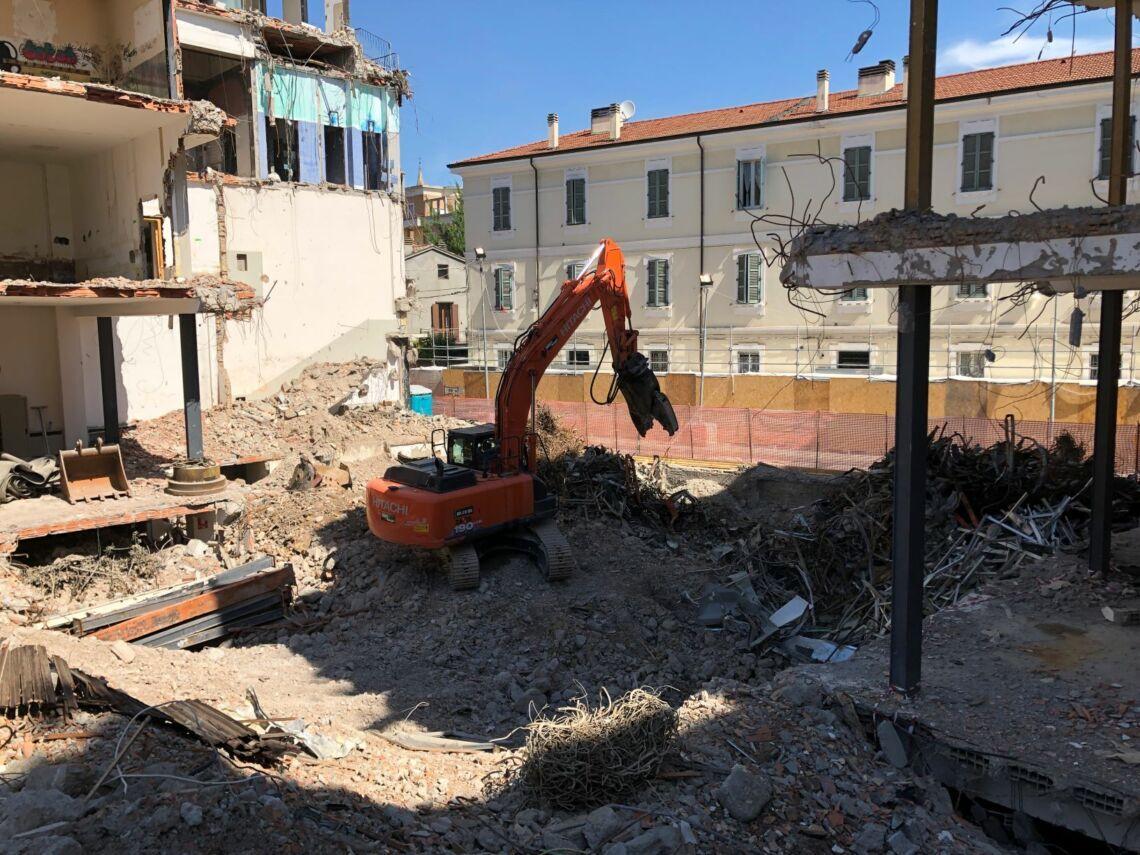 Forlì, proseguono i lavori all'ex Universal