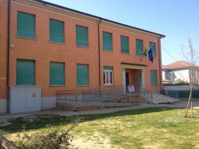 Scuola elementare di Cesena prepara un anno in trasferta per lavori