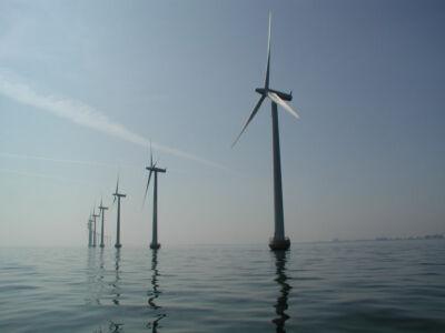 Bonaccini: chi dice sì all'eolico non conosce la Riviera