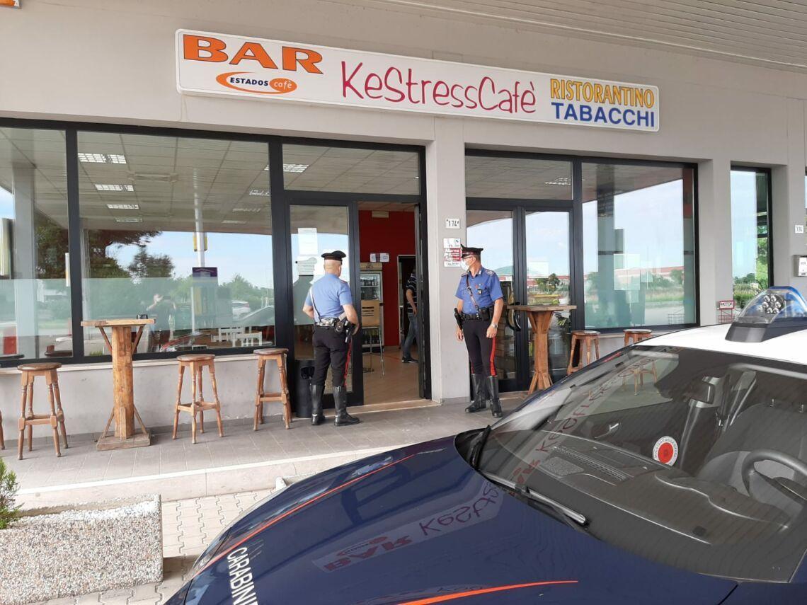 Forlì, furto in un bar: rubate sigarette e contanti
