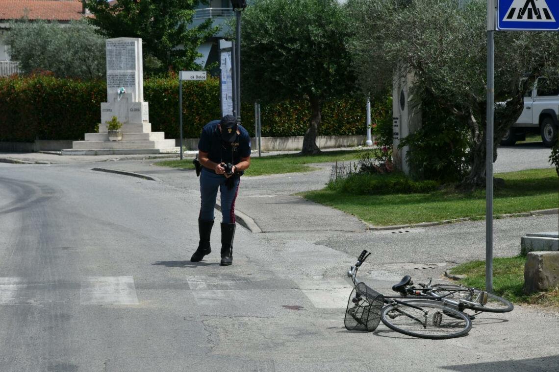 Forlì, travolta da furgone: grave 76enne
