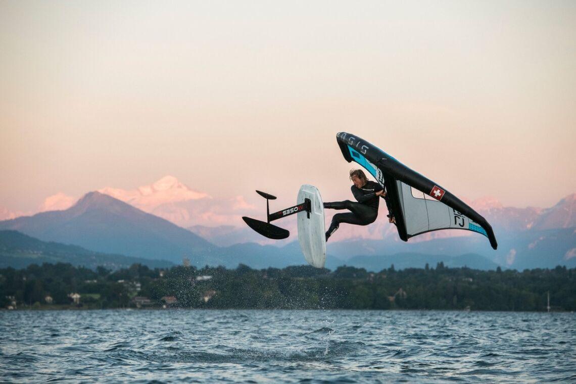 Azienda alle Olimpiadi 2024 di Parigi con il kitesurf