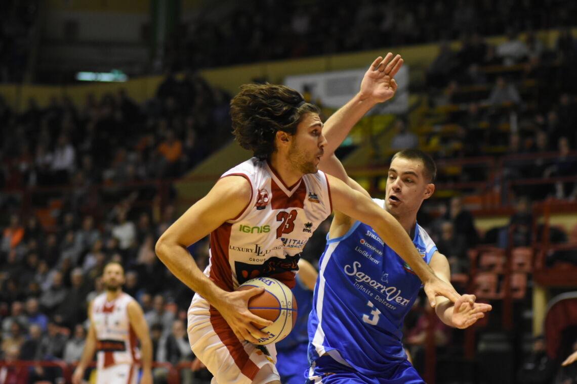 Basket A2, l'OraSì ufficializza l'arrivo di Oxilia