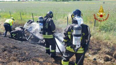 Muore tra le fiamme dell'auto dopo la carambola in A14