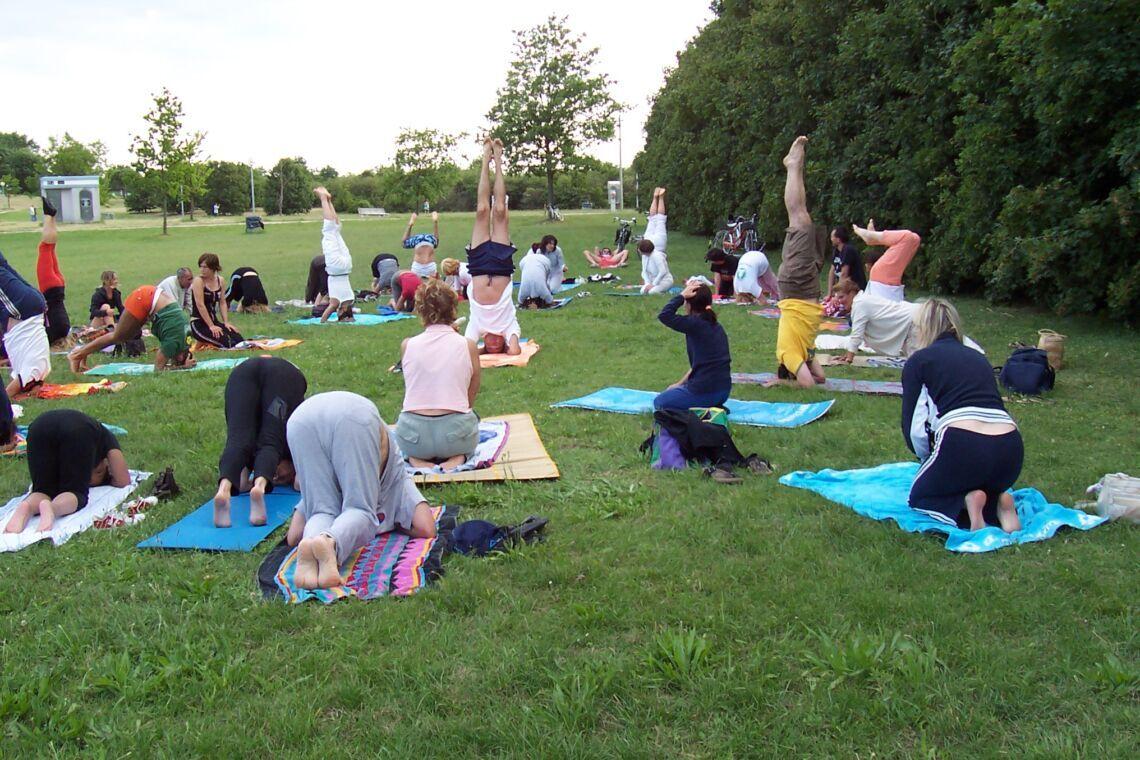 Gnassi: lo yoga ha un colore politico?