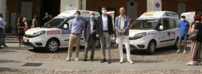 Disabili e trasporto: donati 2 mezzi ad Auser Cesena