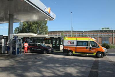 Ravenna, passeggero senza mascherina aggredisce autista di un bus