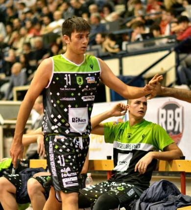 Basket B, la Rekico conferma l'ala Calabrese
