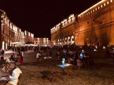 """Negozi aperti e spettacoli: a Cesena centro i """"Mercoledì di agosto"""""""