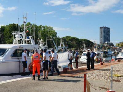 Bagno all'alba si trasforma in tragedia: muore a Riccione a 17 anni
