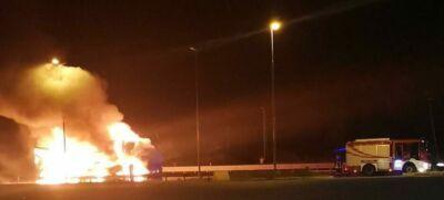 Camion a fuoco sulla E45 a Mercato Saraceno