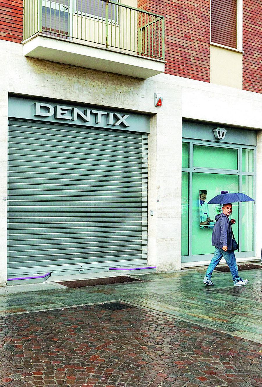 Dentix presenta una richiesta di concordato