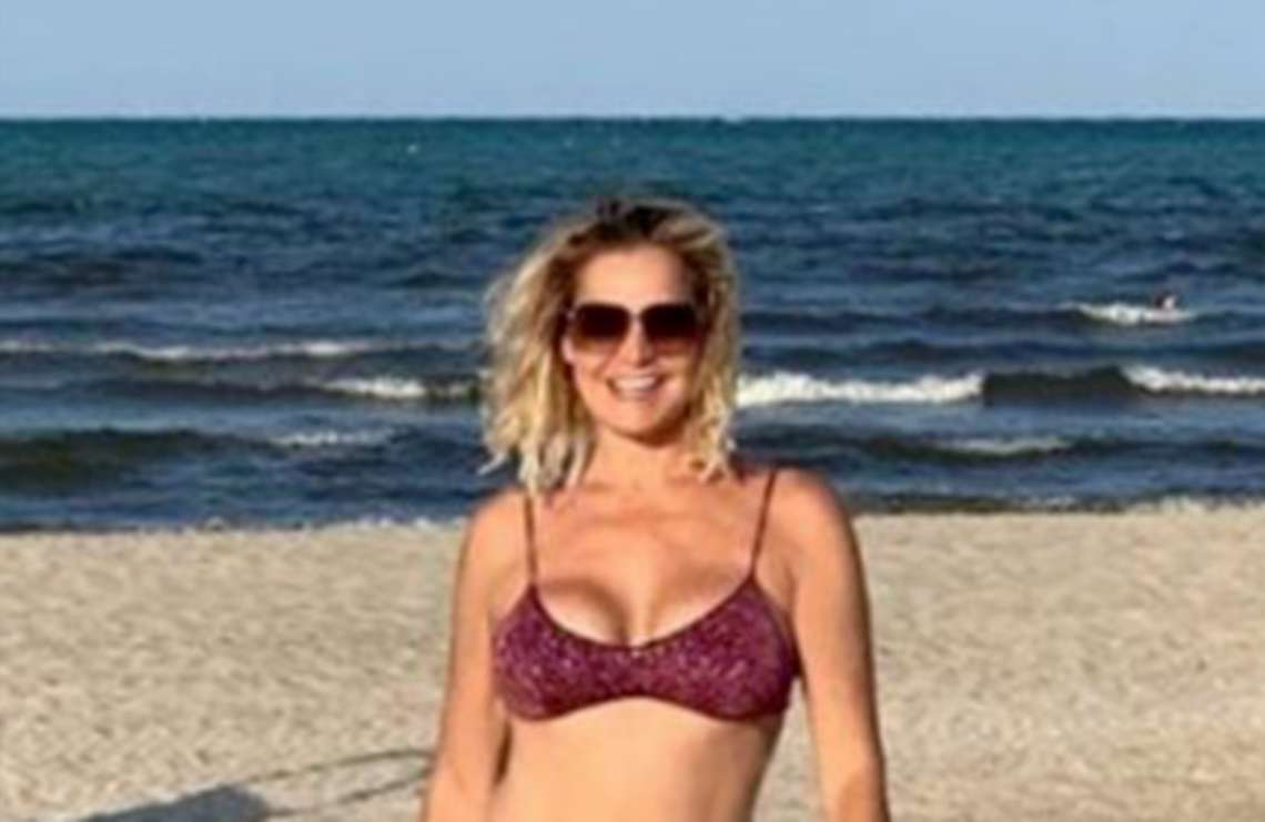 Simona Ventura: «Le vacanze le farò a Rimini, al Grand Hotel»