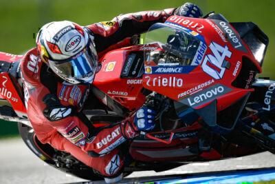 MotoGp: vince Binder su Morbidelli, solo undicesimo Dovizioso