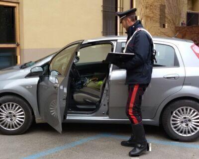 Castel Guelfo, lasciano il bimbo in auto per andare a rubare