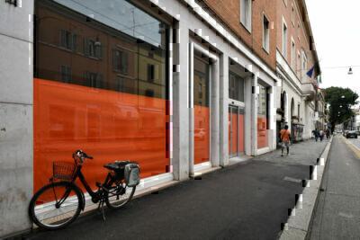 Forlì, mazzata Coronavirus: chiusi cento negozi