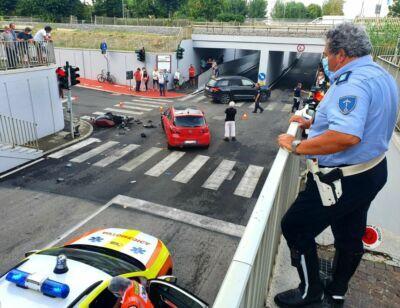 Misano, scontro tra auto e scooter: uomo intubato sul posto