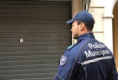 Rimini. Vendita alcol a minori, minimarket chiuso 3 mesi