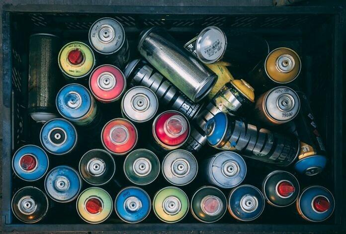 assorted-color spray bottle lot