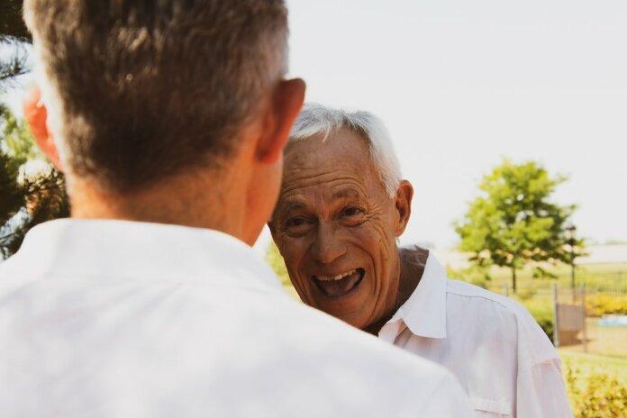 men's white button-up shirt